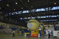 Первый аэроплан МС-21 сверху станции окончательной сборки