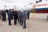 Глава Корпорации «Иркут» Олюся Демченко поздравляет «Русских Витязей»  со получением новых самолетов Су-30СМ