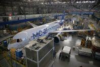 Самолет МС-21-300-0001 на цехе окончательной сборки