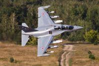 Як-130 016